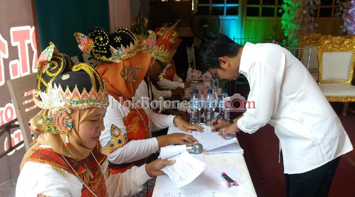 Memilih Mahkota Raja Nusantara
