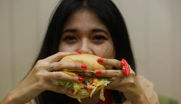 Terlalu Banyak Makan Karbohidrat Bikin Gemuk? Ini Penjelasannya