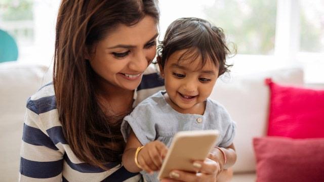 Etika Mengunggah Foto Anak ke Media Sosial