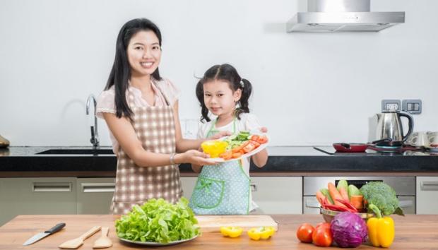 3 Cara Atasi Anak yang Tidak Suka Makan Sayur dan Buah