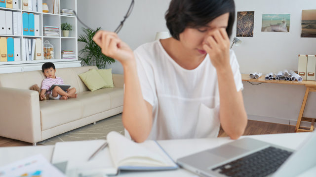 Tips Anti Stres untuk Ibu Bekerja yang Baru Jadi IRT