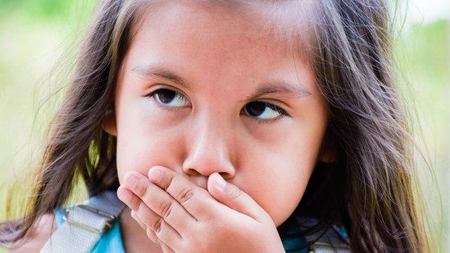 7 Saran yang Bisa Orang Tua Lakukan saat Anak Gagap Bicara