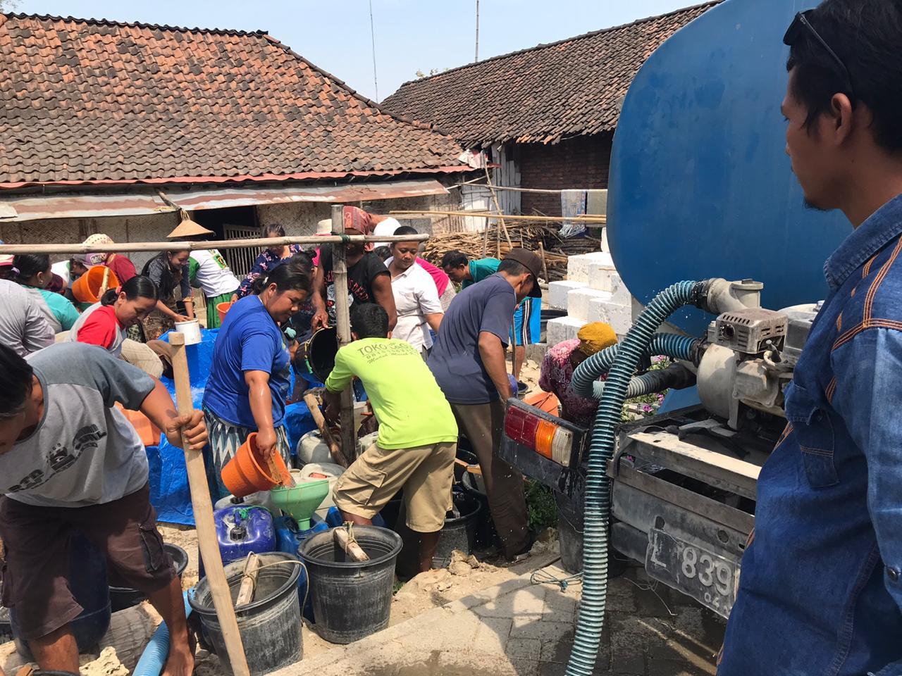 Sebanyak 928 Rit Air Bersih Didistribusikan ke 68 Desa