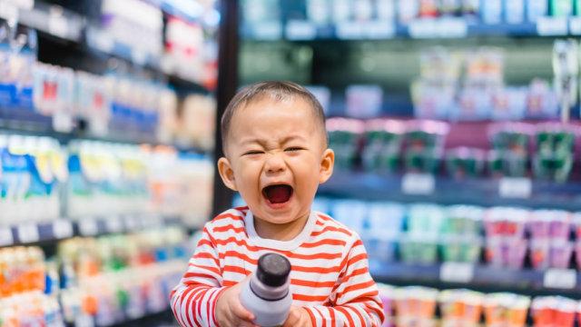 Anak Balita Anda Menjerit di Tempat Umum? Begini Cara Hadapinya