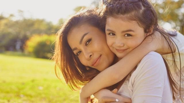 6 Hal yang Jadi Warisan Genetik Ibu ke Anak