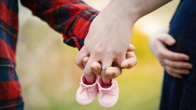 5 Penyebab Calon Ayah Bisa Ikut Mood Swing saat Istrinya Hamil