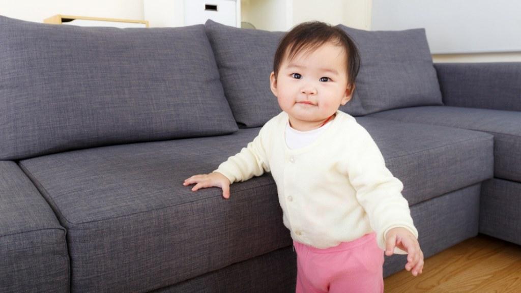 Normalkah Bayi Sudah Bisa Berjalan Sebelum Merangkak?