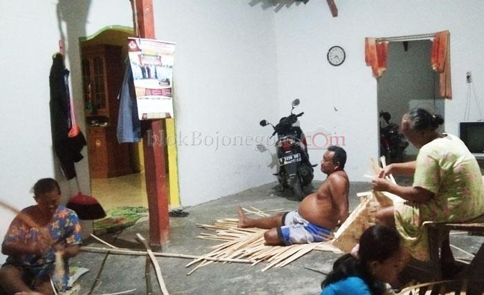 Kampung Anyaman Bambu yang Masih Bertahan Hingga Kini