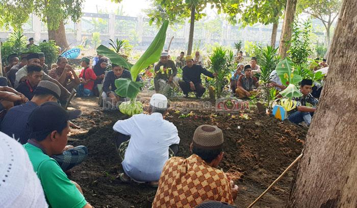 Kembang Mayang dan Lestari Tradisi Jawa