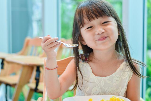4 Probiotik yang Bermanfaat untuk Kesehatan Anak