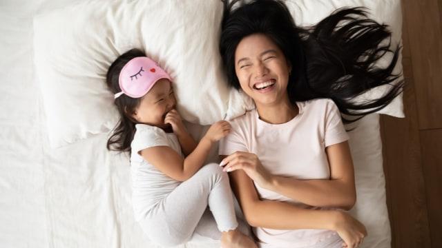 10 Ide Untuk Bikin Keluarga Lebih Banyak Tertawa selama #diRumahAja