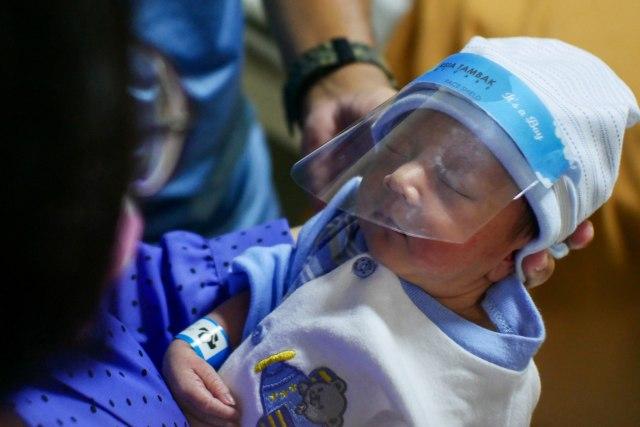 Lebih Baik Mana, Anak Pakai Face Shield atau Masker untuk Cegah Virus Corona?