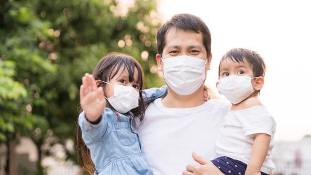 Kesalahan Pakai Masker yang Amat Berbahaya Tapi Sering Dilakukan Keluarga