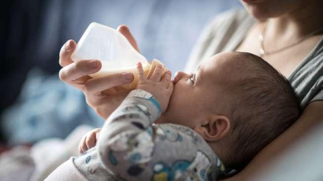 Kapan Waktu Paling Tepat untuk Memberi Susu Sapi pada Bayi?