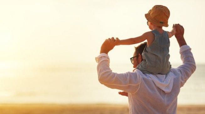 Tak Tergantikan, Ayah Punya Peran Penting dalam Tumbuh Kembang Si Kecil