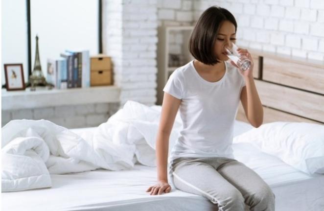 Inilah Manfaat Minum Air Putih setelah Bangun Tidur