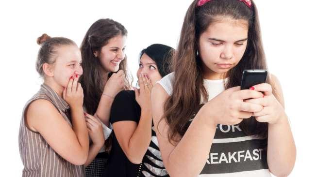 Psikolog Sebut Batasi Penggunaan Gadget Bisa Cegah Cyberbullying, Benarkah?