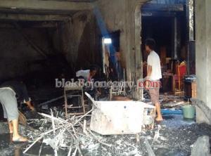 Kerugian Ditaksir Rp300 Juta, Pemilik Masih Bingung