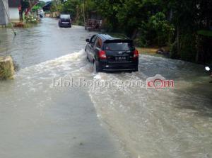 Baureno Masih Terendam Banjir