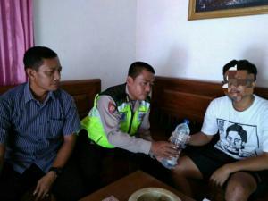 Polsek Gondang Razia Warung Penjual Miras
