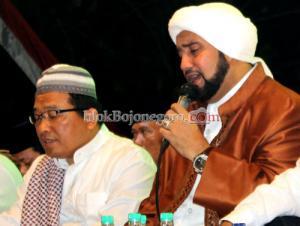 Tiga Tahun Tunggu Kedatangan Habib Syekh
