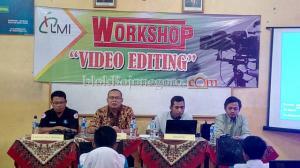 SMKN Dander Gelar Workshop Video Editing