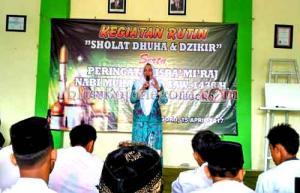 Hadir di SMK Migas, Bunda Anna Mu'awanah Motivasi Siswa