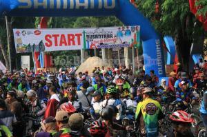 1.500 Peserta Ramaikan Gowes Nusantara dan Tour de Bojonegoro