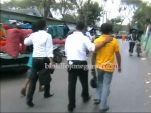 Diduga Bandar Dadu, Oknum Polisi Digerebek di Pasar Kota