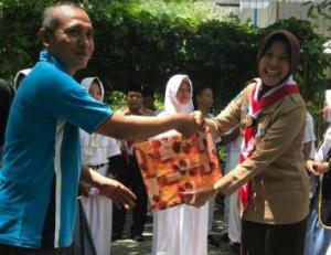 Adakan LDK, OSIS SMAN 1 Bubulan Kunjungi TPA Banjarsari