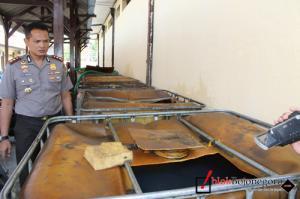 Timbun 4,3 Ton Solar, Digerebek Polisi