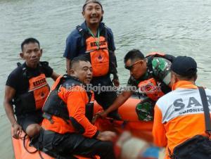 Jasad Korban Nyembul di Belakang Boat