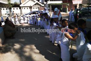 KB-PAUD Se-Kecamatan Dander Ikuti Manasik Haji