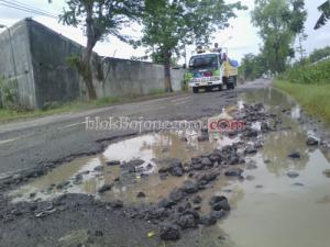 Jalur Bojonegoro-Cepu Rusak, Bahayakan Pengendara