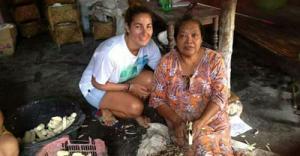Selama di Bojonegoro Istri Mat Salim Berbahasa Isyarat
