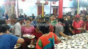Jalin Silaturahim, Ratusan Warga  Buka Bersama di Klenteng