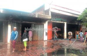 Mey Jaya di Sumberrejo Terbakar