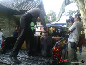 Angkut Solar Illegal di Desa Mlaten
