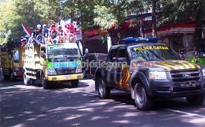 Naik Puluhan Truk Warga Siap Luruk DPRD dan Pemkab