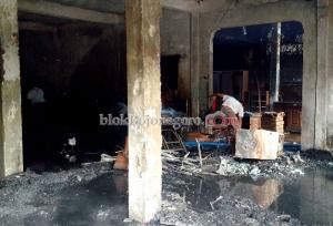 Kondisi Dalam Mey Jaya yang Terbakar