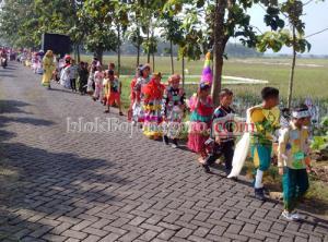 Kartini Day Festival ala MI Islamiyah Sarangan